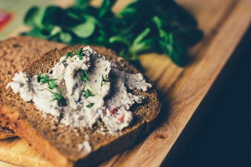 Radicchio-Sandwich mit Ei