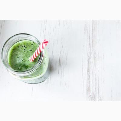 Grüner Smoothie mit Kohlrabi