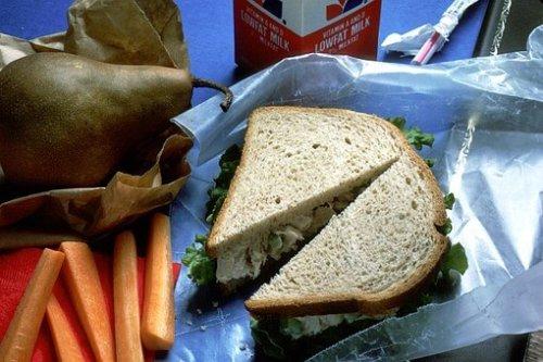 Sandwich mit Hähnchen und Ananas